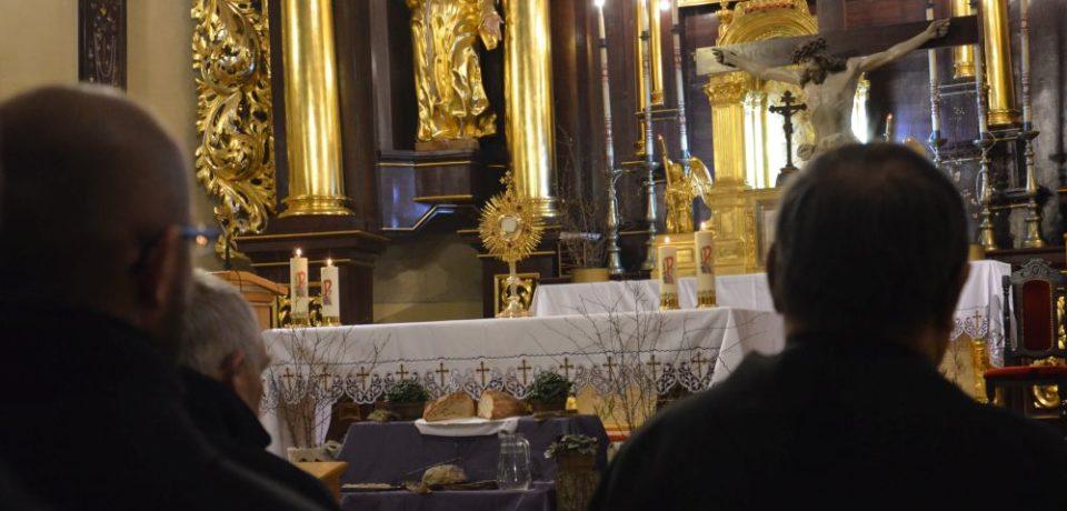 Dzień modlitw za synod