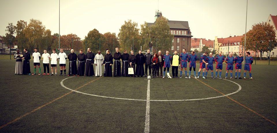 Mecz z udziałem braci kleryków
